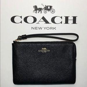 Coach wristlet NWT